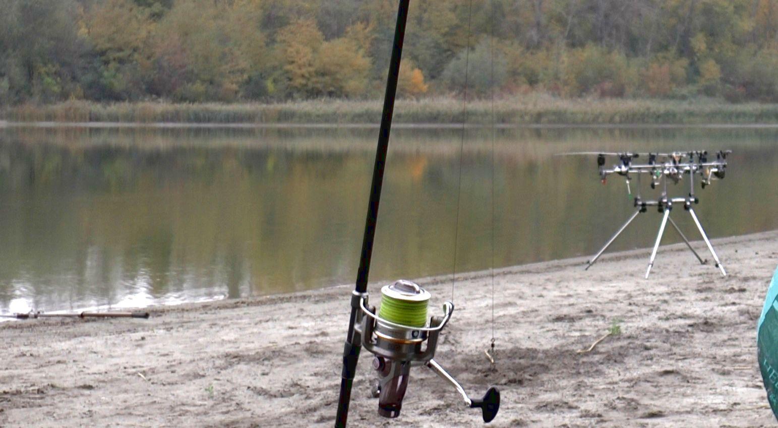 Рыбалка на удочку с утра деньком и вечером